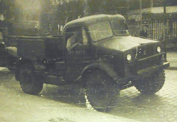 mickie-in-petrol-lorry