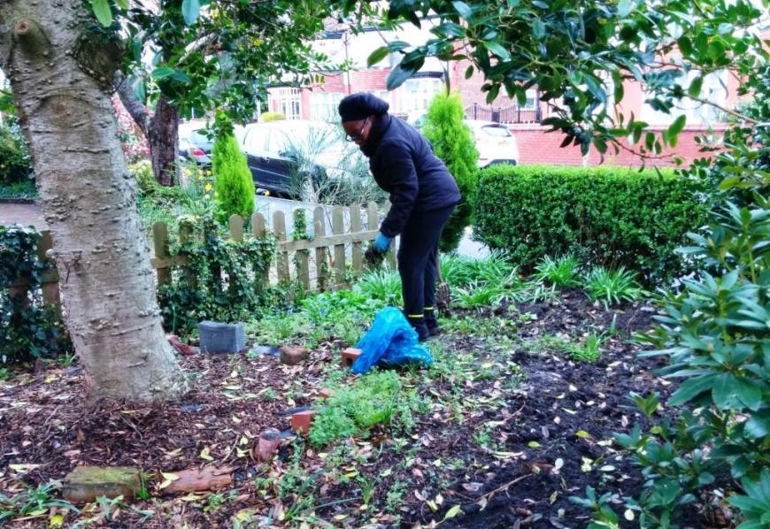 CGN gardening gp 04-04-14 (03)